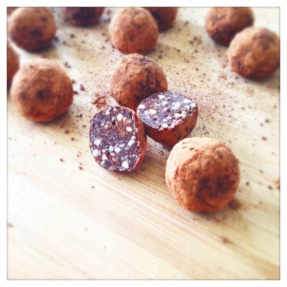 Sirove čokoladne kuglice s kardamomom